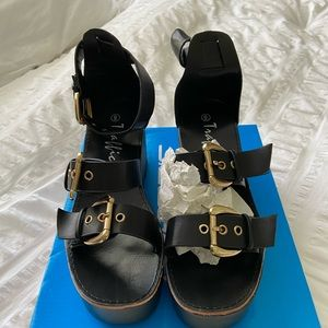 NEW Black Wedge Shoe by Traffic Size 6
